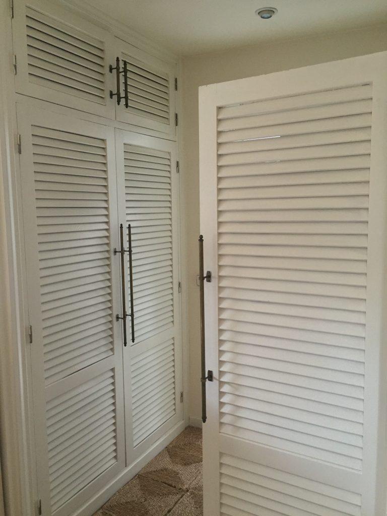 armario y puerta habitacion tirador vintage